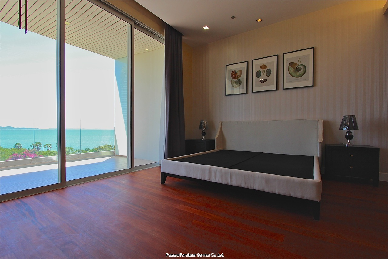 pic-7-Pattaya Foreigner Service Co.Ltd. luxurious 2 bedroom beachfront condo  for sale in Naklua Pattaya