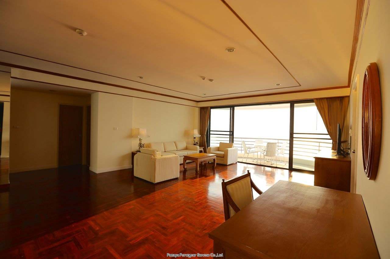 pic-4-Pattaya Foreigner Service Co.Ltd. condo in beautiful surroundings  for sale in Pratumnak Pattaya