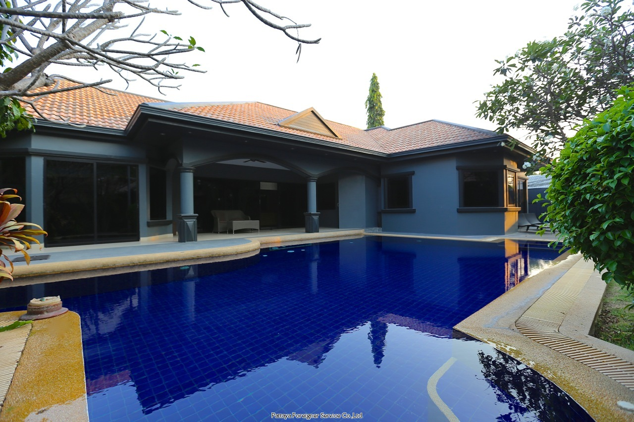 large luxurious house in jomtienparkvillas  Condominiums to rent in Jomtien Pattaya