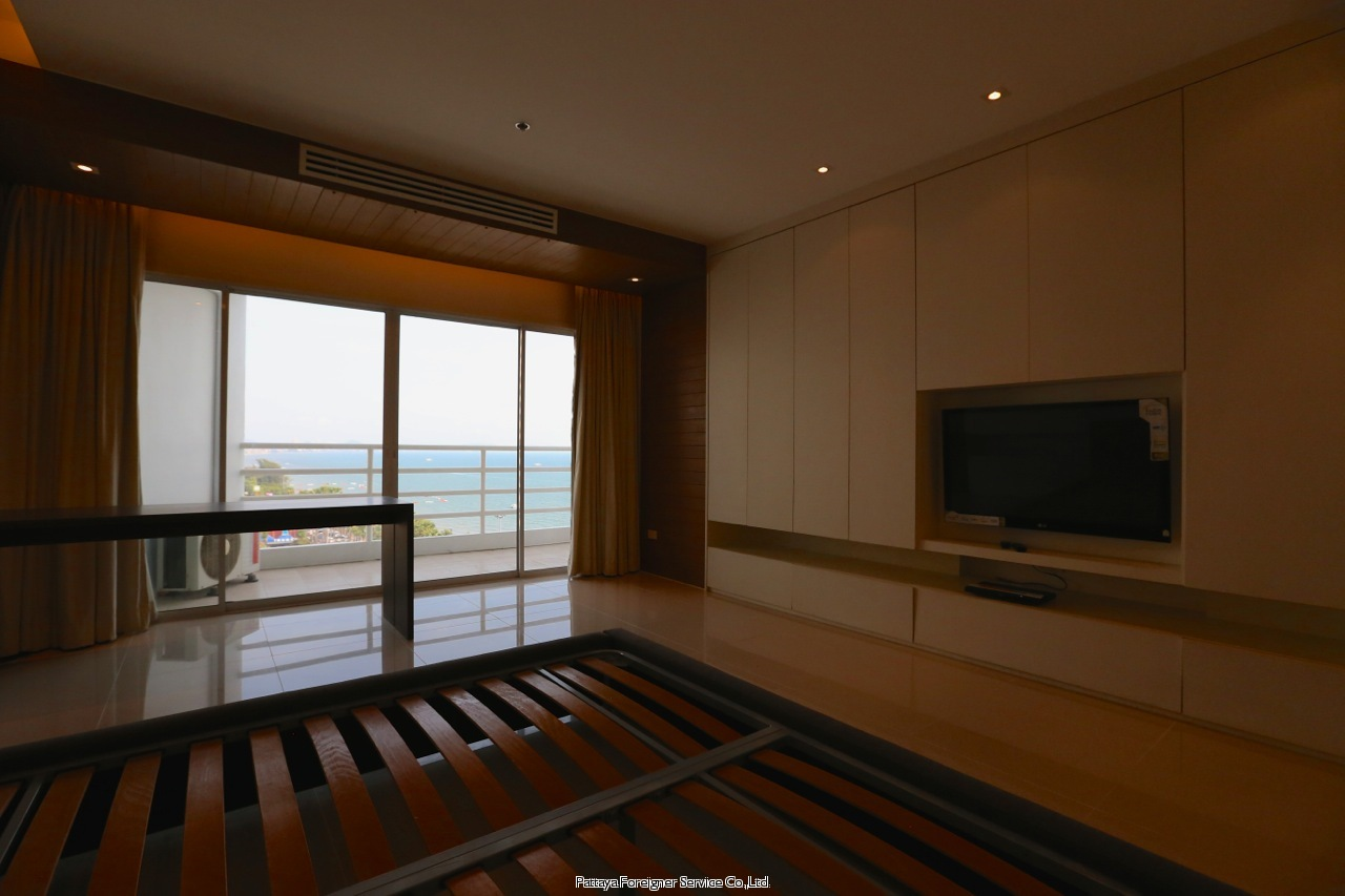 pic-8-Pattaya Foreigner Service Co.Ltd. luxurious beachfront condo centrally located in jomtien  for sale in Jomtien Pattaya