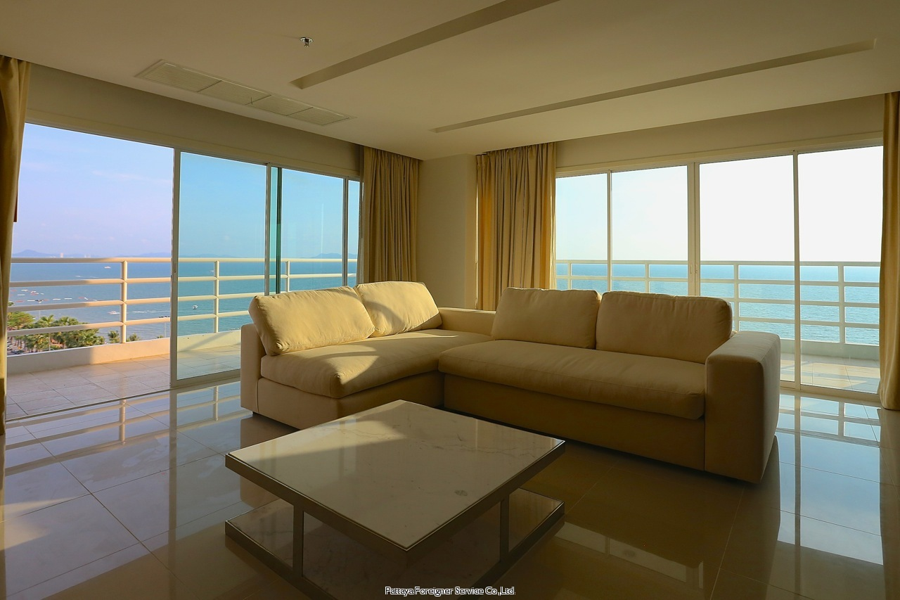 Pattaya Foreigner Service Co.Ltd. luxurious beachfront condo centrally located in jomtien  for sale in Jomtien Pattaya