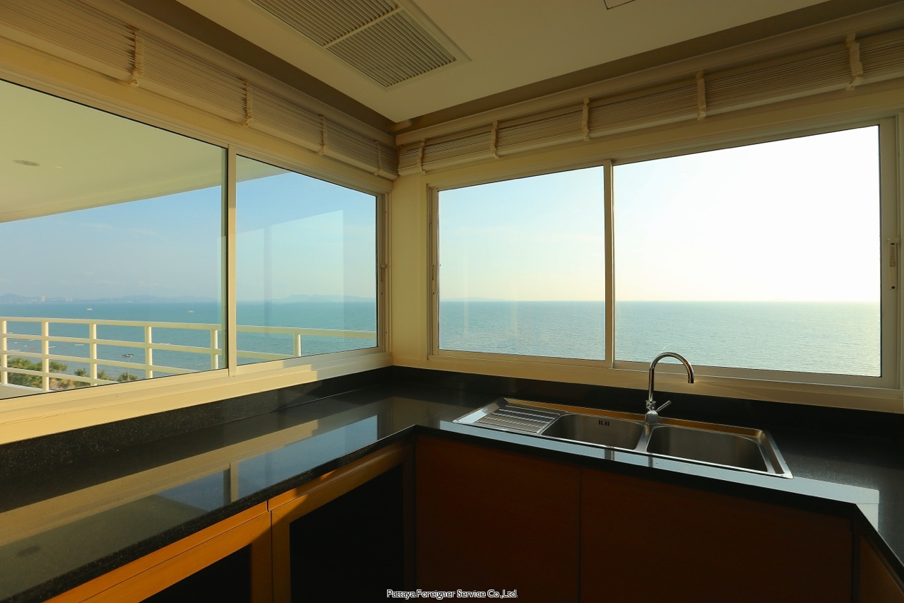 pic-3-Pattaya Foreigner Service Co.Ltd. luxurious beachfront condo centrally located in jomtien  for sale in Jomtien Pattaya