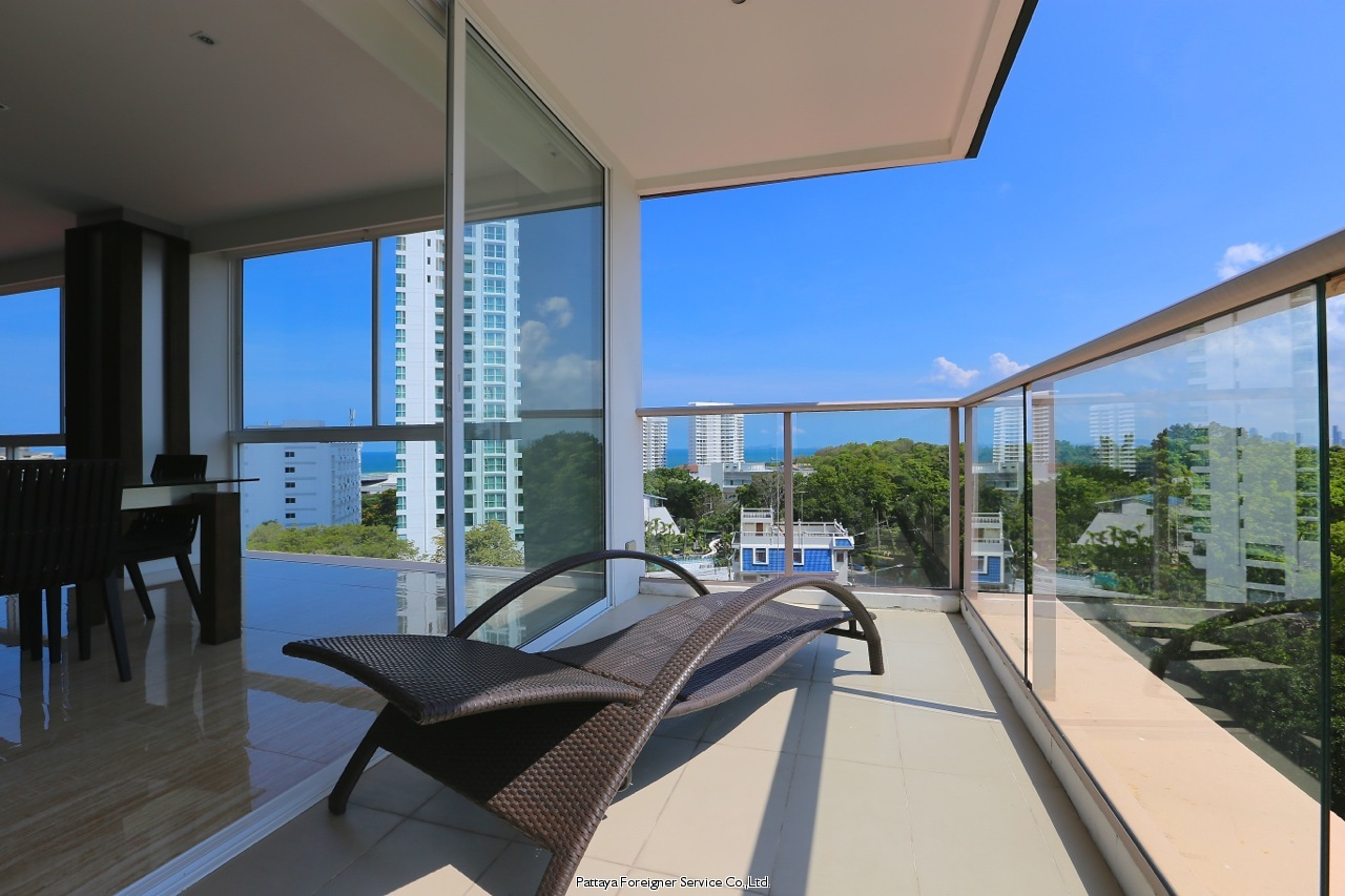 high class fitted luxurious penthouse Condominiums for sale in Pratumnak Pattaya