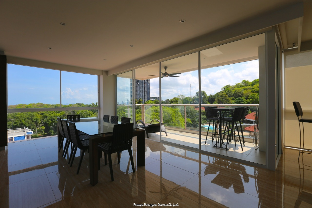 pic-11-Pattaya Foreigner Service Co.Ltd. high class fitted luxurious penthouse Condominiums for sale in Pratumnak Pattaya