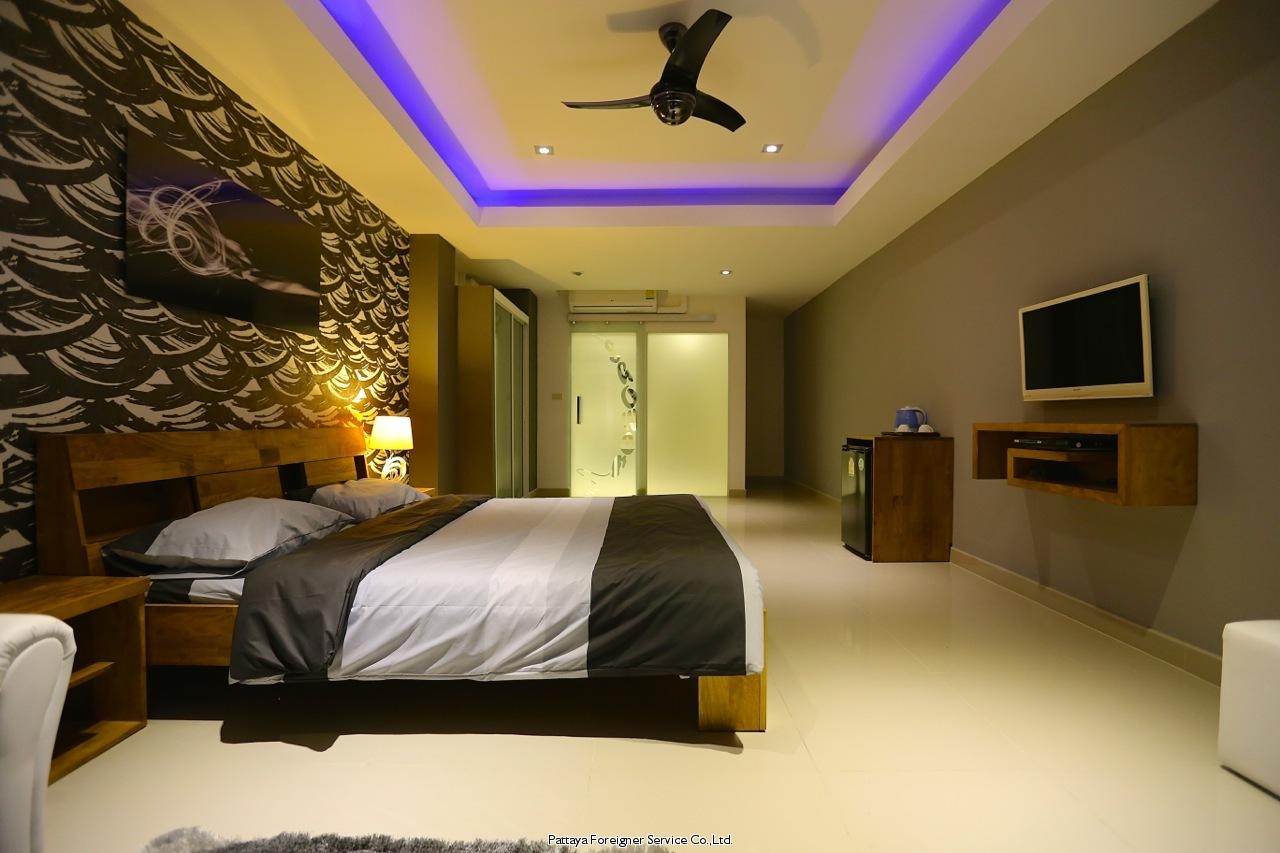 stunning beachfront penthouse  Condominiums for sale in Naklua Pattaya