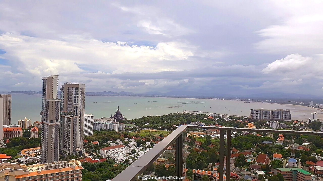 pic-12-Pattaya Foreigner Service Co.Ltd. luxurious duplex beachfront condo  for sale in Naklua Pattaya