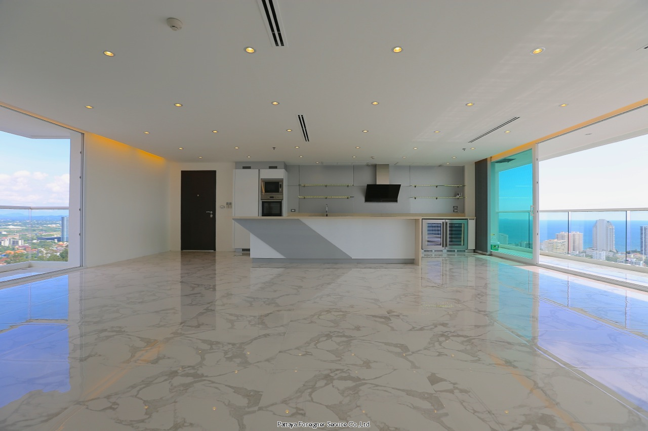 unique penthouse with breathtaking views Condominios para la venta en Pratumnak Pattaya