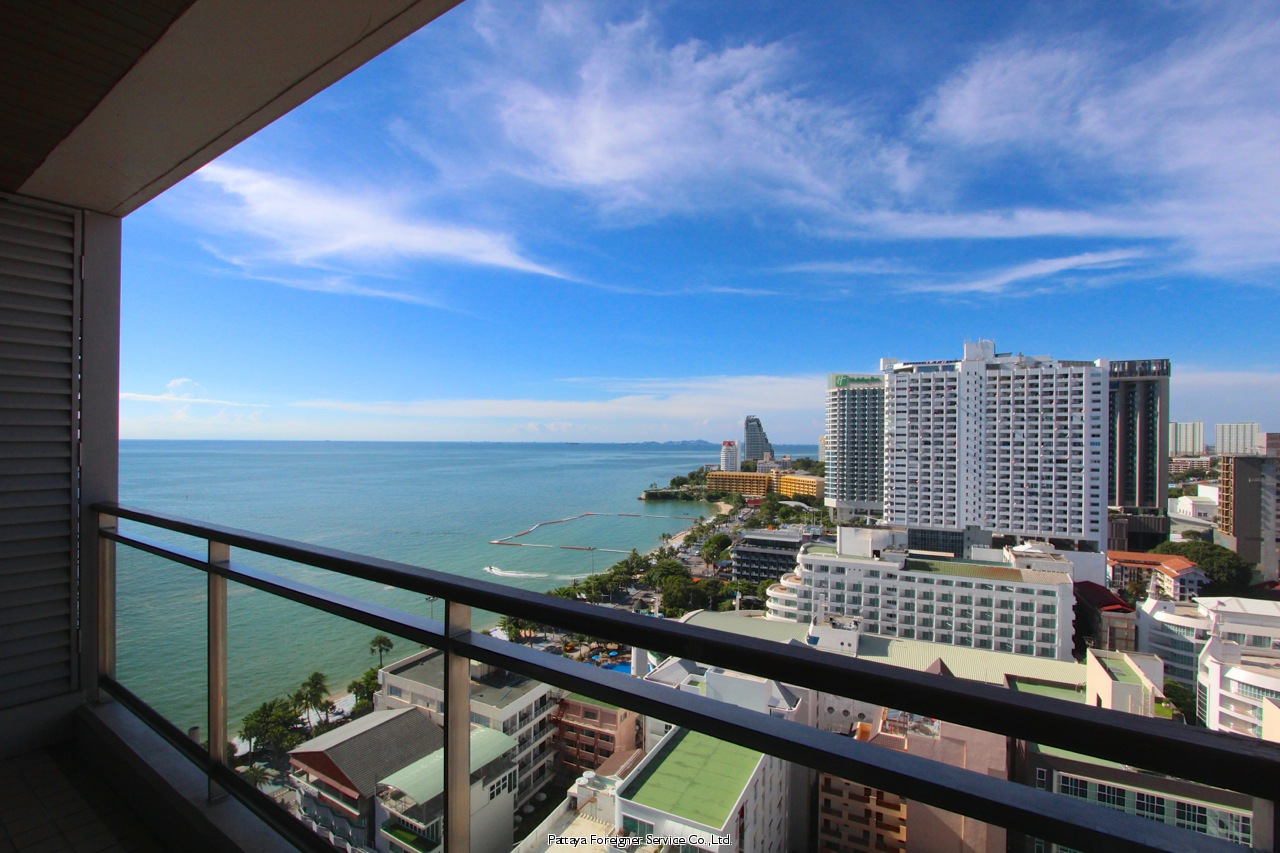 condo in five star building on pattaya beach road to rent in Central Pattaya Pattaya