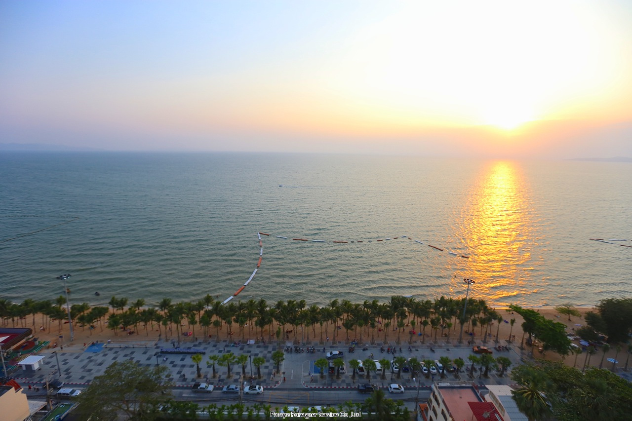 pic-11-Pattaya Foreigner Service Co.Ltd. ultimate beachfront bachelor pad Condominiums for sale in Jomtien Pattaya