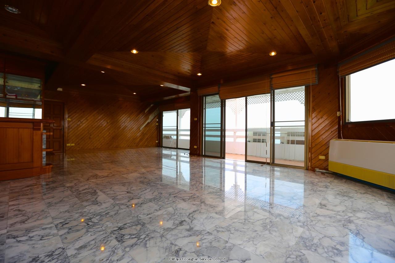 pic-10-Pattaya Foreigner Service Co.Ltd. beachfront penthouse in jomtien Condominiums for sale in Jomtien Pattaya