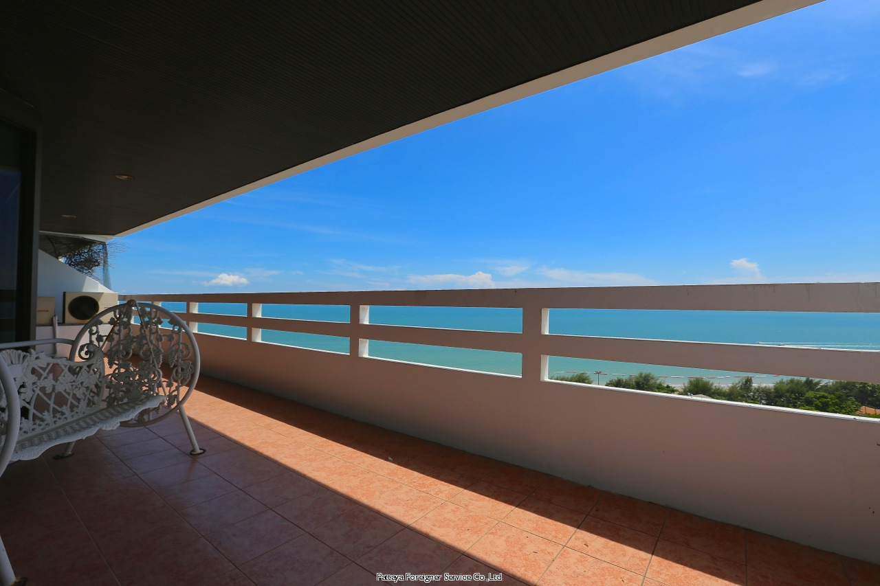 pic-12-Pattaya Foreigner Service Co.Ltd. beachfront penthouse in jomtien Condominiums for sale in Jomtien Pattaya