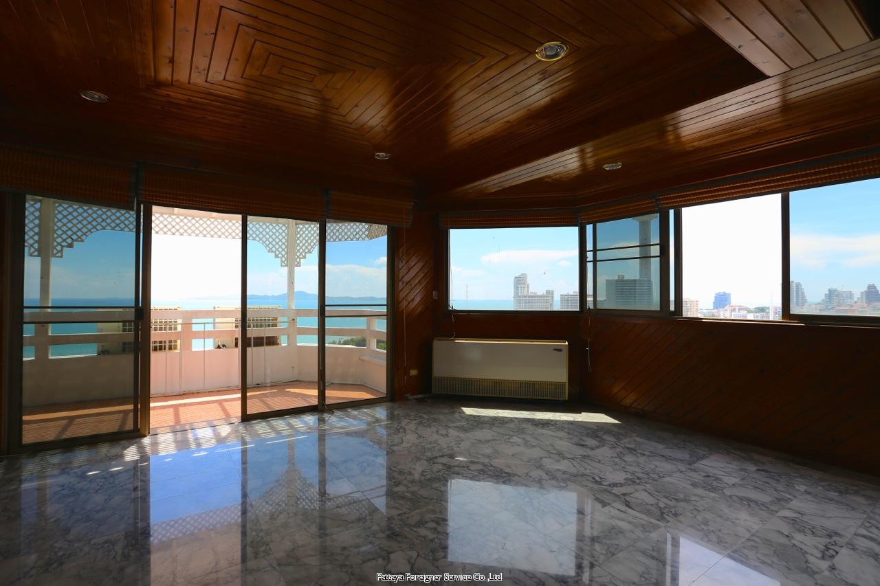 pic-9-Pattaya Foreigner Service Co.Ltd. beachfront penthouse in jomtien Condominiums for sale in Jomtien Pattaya