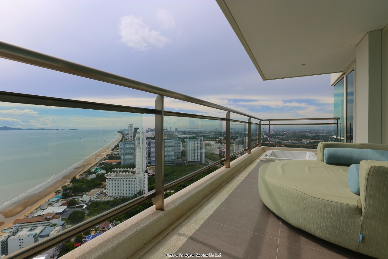 luxurious designer condo with awesome view till salu i Na Jomtien Pattaya