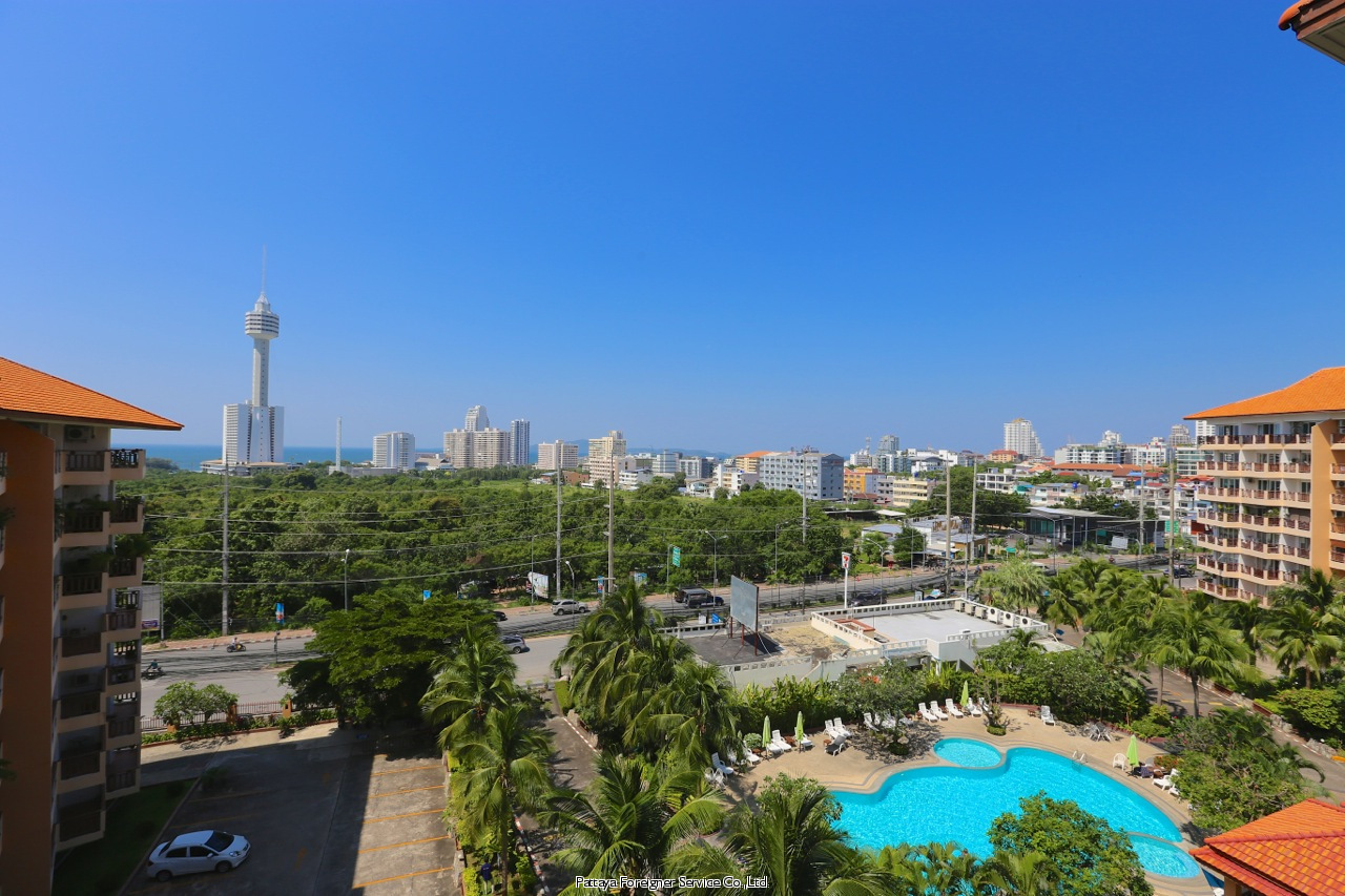 centrally located condo with sea view for sale in South Pattaya Pattaya