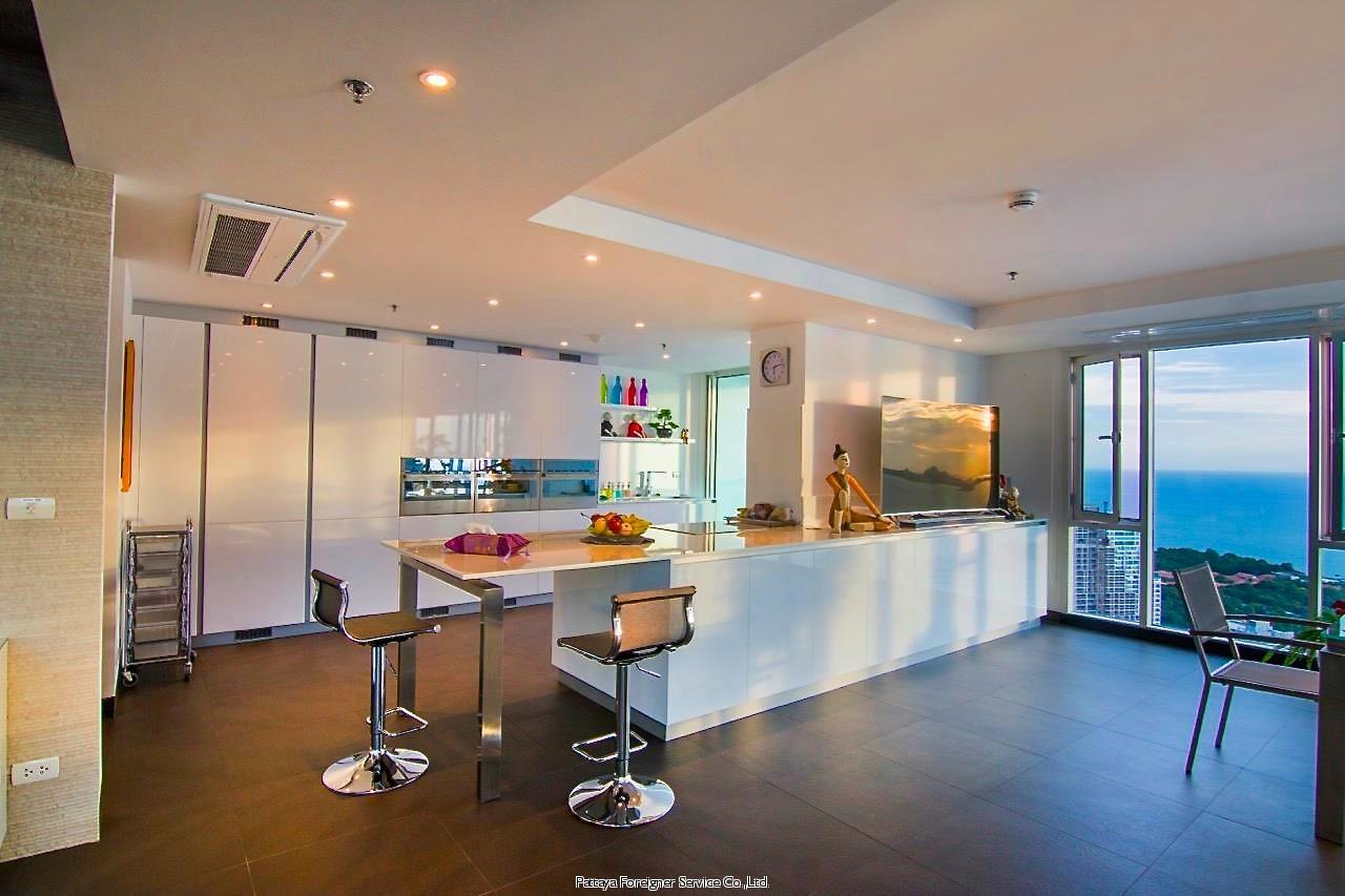 baan rimpha penthouse  Condominiums for sale in Naklua Pattaya