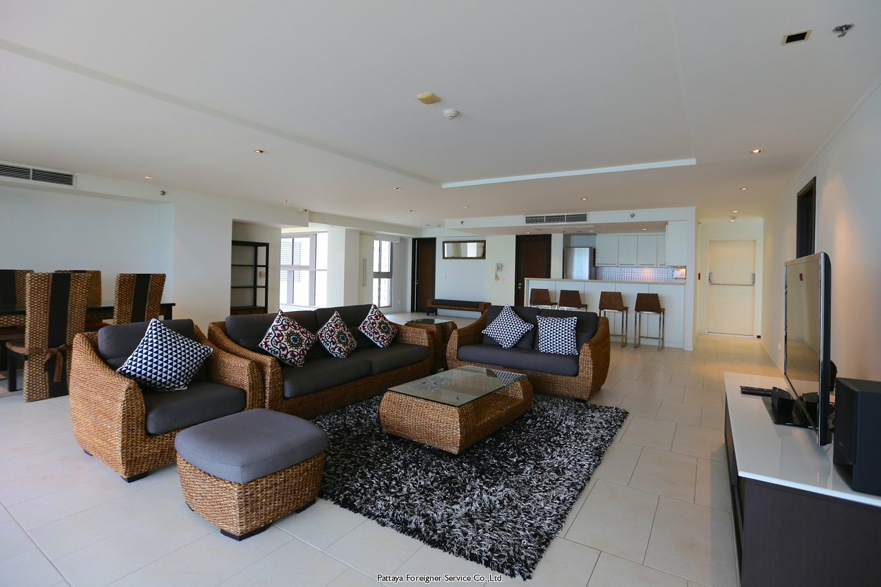ultimate beachfront bachelor pad Condominiums for sale in Jomtien Pattaya
