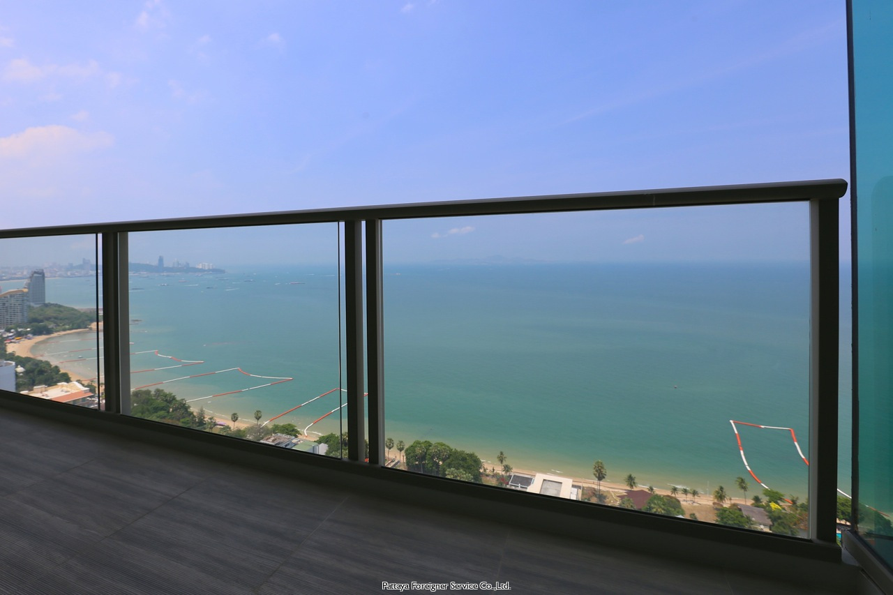 brand new condo with breathtaking views te koop In Naklua Pattaya
